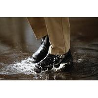 5 способов сохранить обувь сухой в мокрую погоду